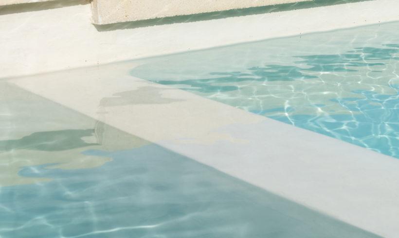 Revêtement intérieur de bassin en micro-béton