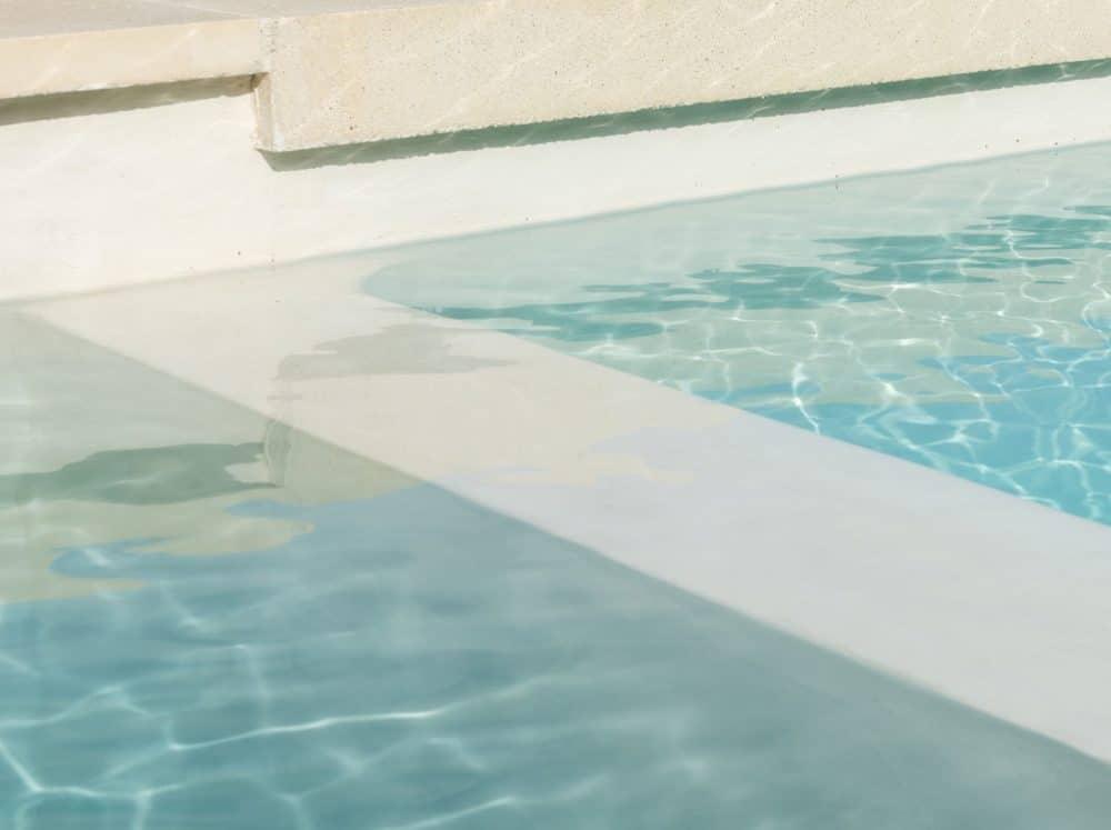 Enduit béton ciré pour piscine