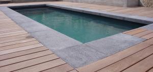 piscine-margelle-retombée-talon-béton
