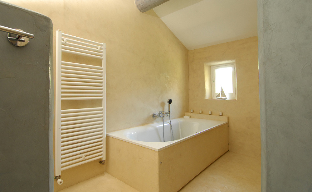 Le béton ciré en salle de bains
