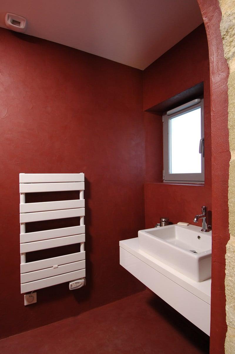 béton-ciré-bordeaux-salle-de-bains