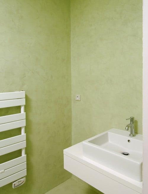 béton-ciré-revetement-bains-vert