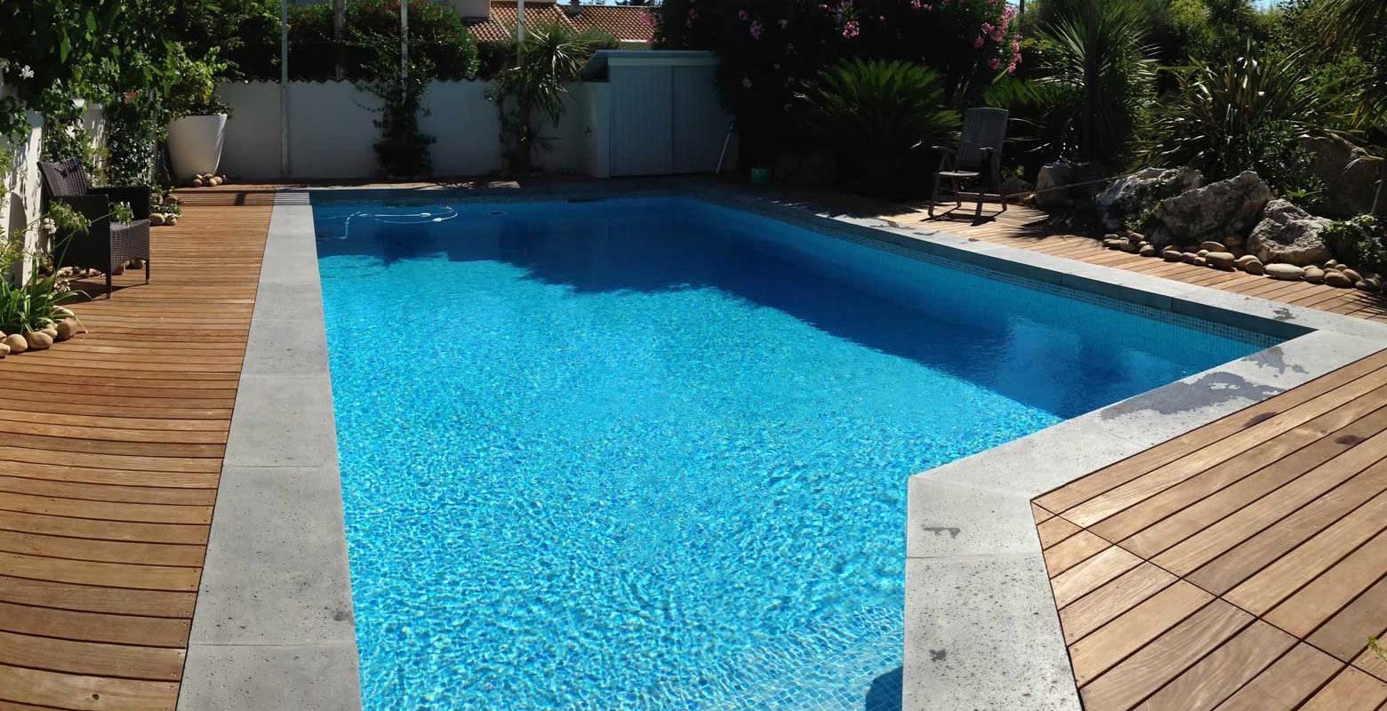 margelle de piscine en l pour une finition parfaite aspect b ton. Black Bedroom Furniture Sets. Home Design Ideas