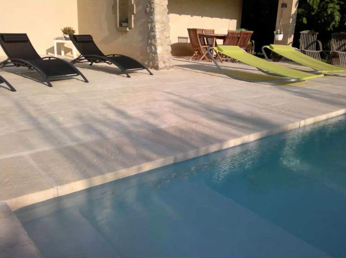margelles piscine pierre rouvi re collection. Black Bedroom Furniture Sets. Home Design Ideas