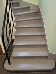escalier-revêtement-béton-ciré