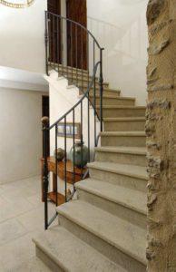 escalier-sur-mesure-marches-pierre
