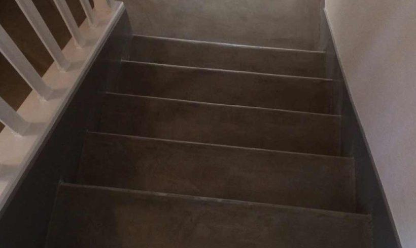 Escalier intérieur micro-béton
