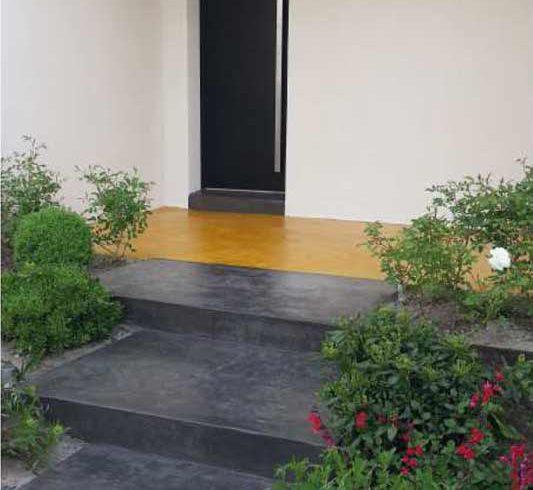 Escalier extérieur micro-béton