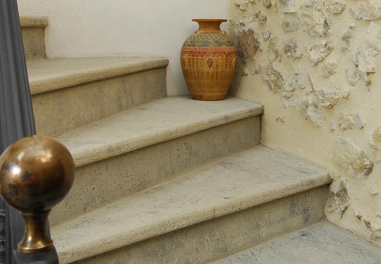 escalier-sur-mesure-pierre