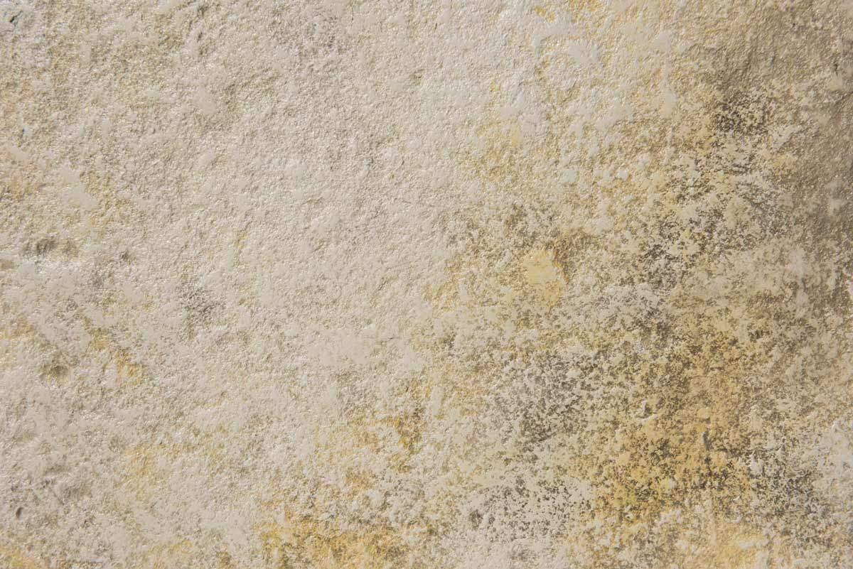 carrelage en béton aspect pierre vieillie Rouviere Collection