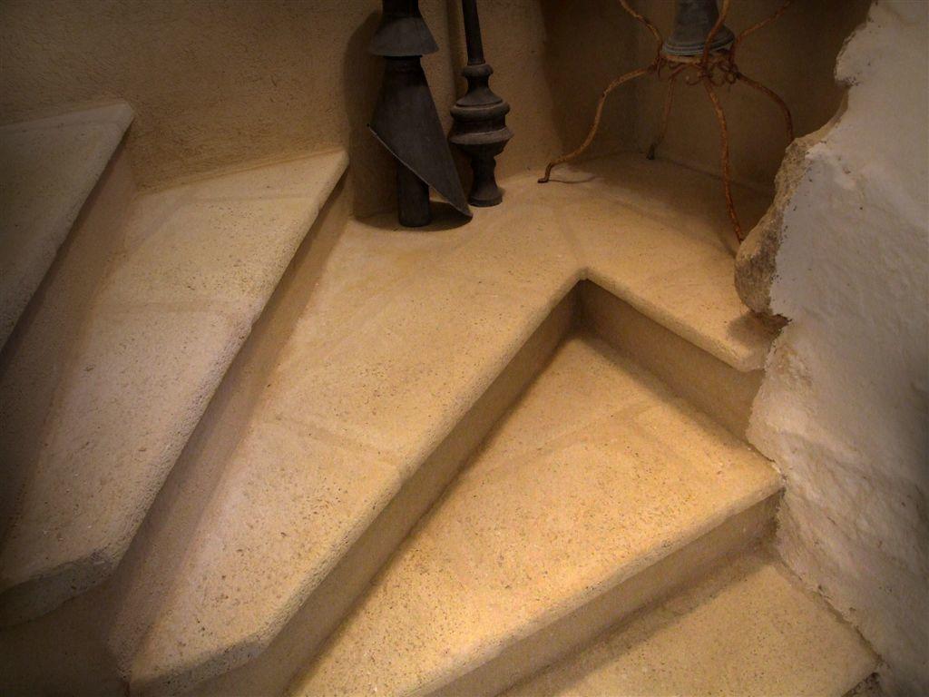 escalier-tournant-pierre