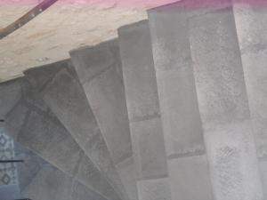escalier-béton-pierre-gris