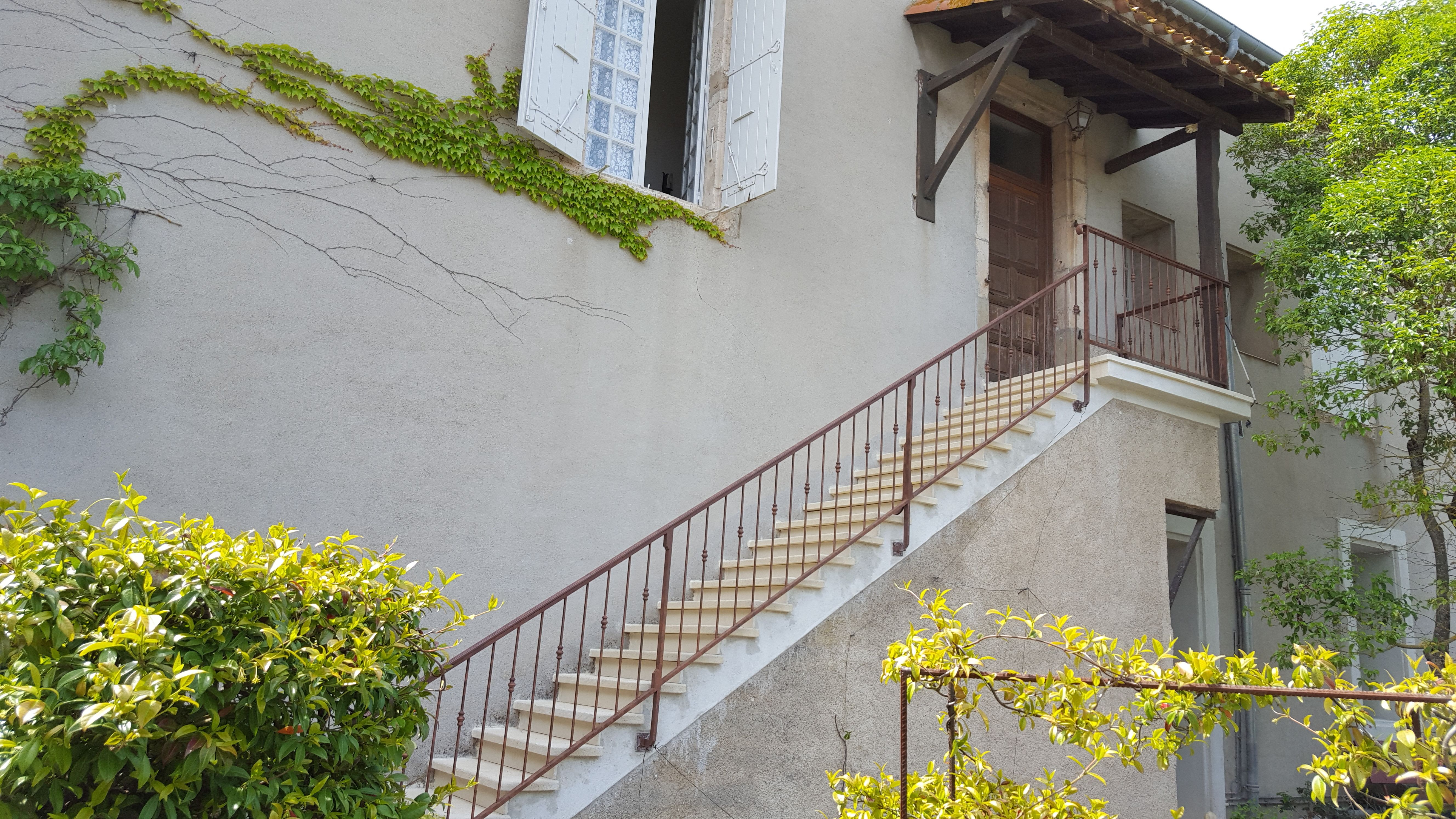 Habiller Un Pilier En Beton aménagez harmonieusement vos extérieurs : escaliers, murets,