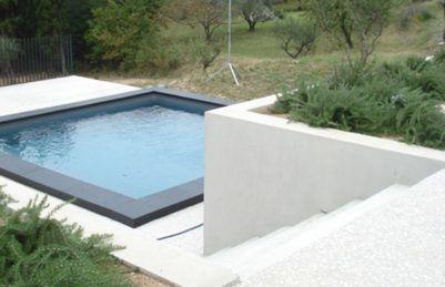 Margelle de piscine noire