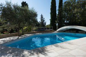 béton-ciré-bleu-piscine