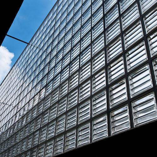 Briques de verre doriques en façade Rouviere Collection