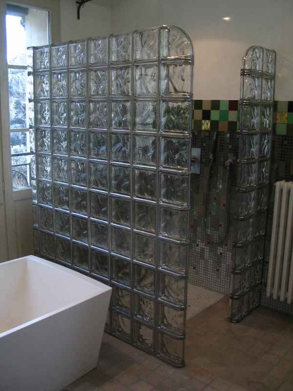 paroi de douche en briques de verre métallisées Rouviere Collection