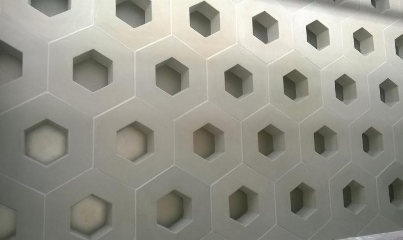Création de blocs de façade en béton et verre