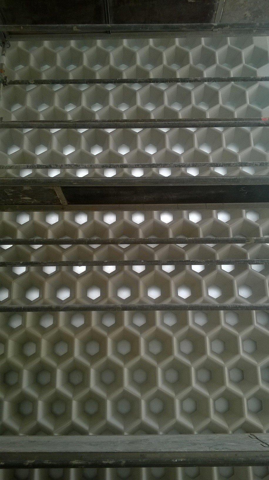 blocs-façade-hexagonaux-beton-verre