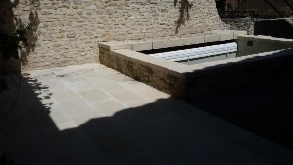 margelles-pierre-béton-retombée-piscine