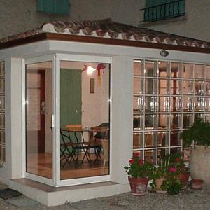 veranda en briques de verre de grandes dimensions