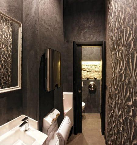 sol-mur-toilettes-restaurant-béton-ciré-entretien-facile