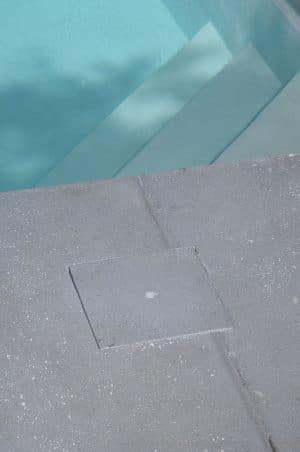 cacher-skimmer-piscine