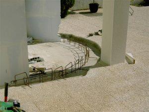 cloison-courbe-support-briques-verre