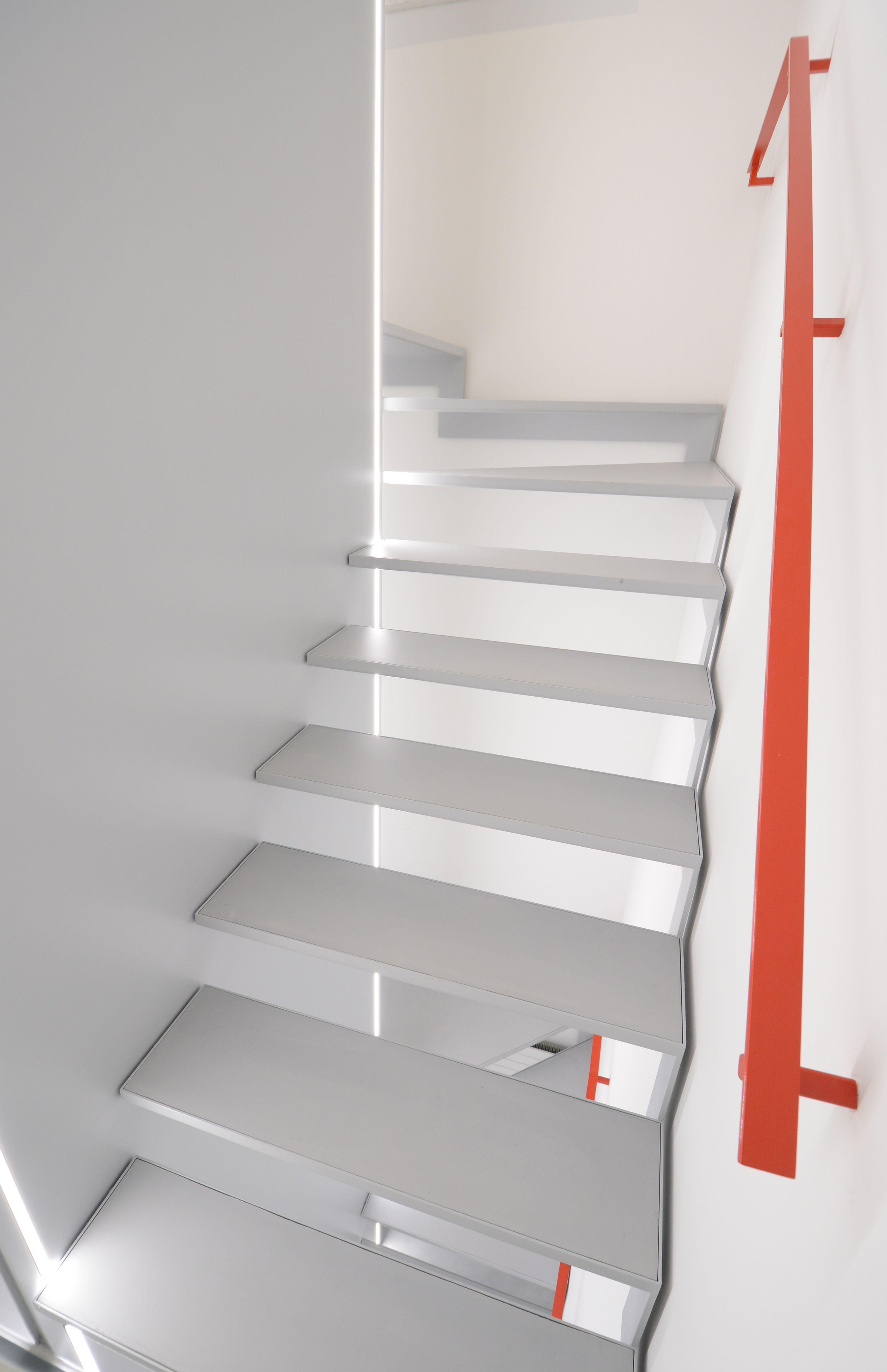 escalier-minimaliste-béton-Suisse