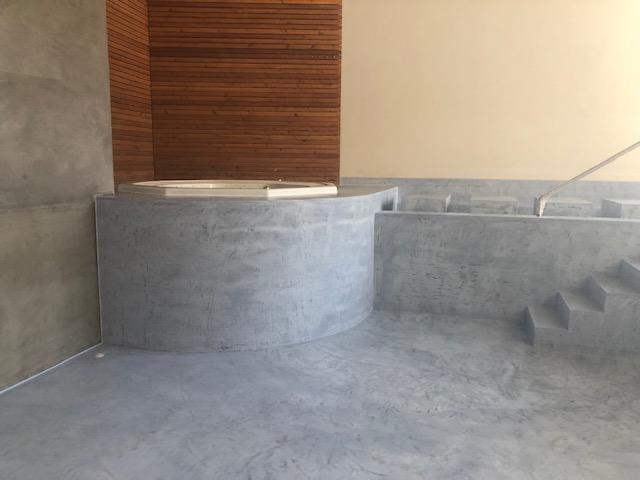 enduit-revetement-piscine-gris