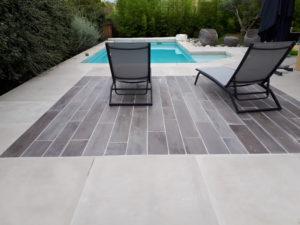 plage-piscine-terrasse-béton-bois-contemporain