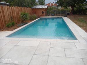 Margelle-plage-piscine-contemporain-opus-gris